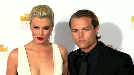 News video: Ireland Baldwin Splits From Slater Trout